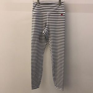 Spiritual Gangster gray white stripe legging sz s,